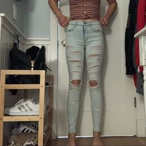 American Eagle Outfitters Jeans - American eagle hi-rise jegging light washed ripped